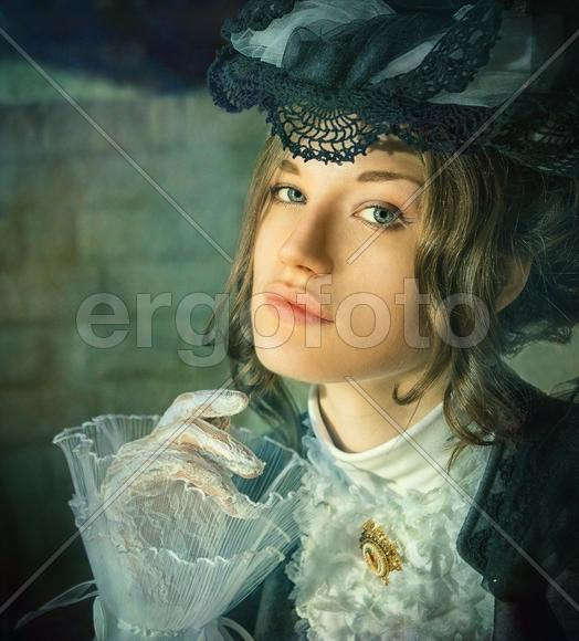 девушки в старинной одежде фото