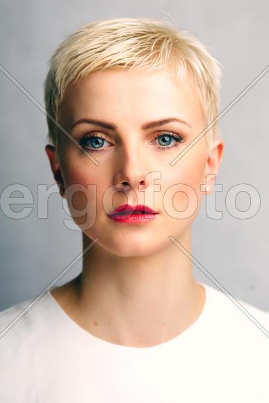 Блондинкас короткой стрижкой фото 399-777