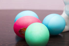 Several Easter eggs lie and wait when they are eaten